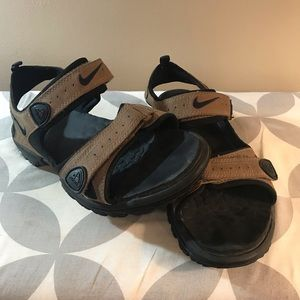 Nike sandals size 9.5